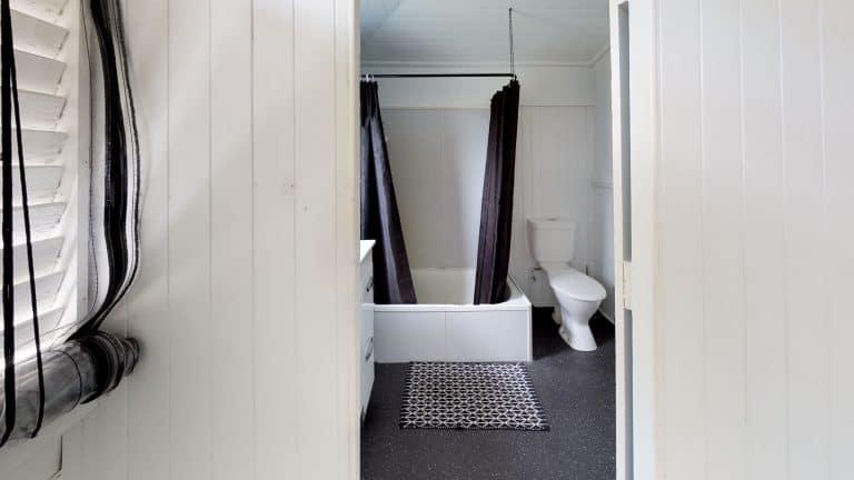 28-Fuller-St-Bathroom