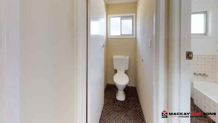 House-21-Bathroom (1)