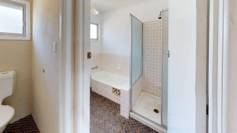 House-21-Bathroom (2)