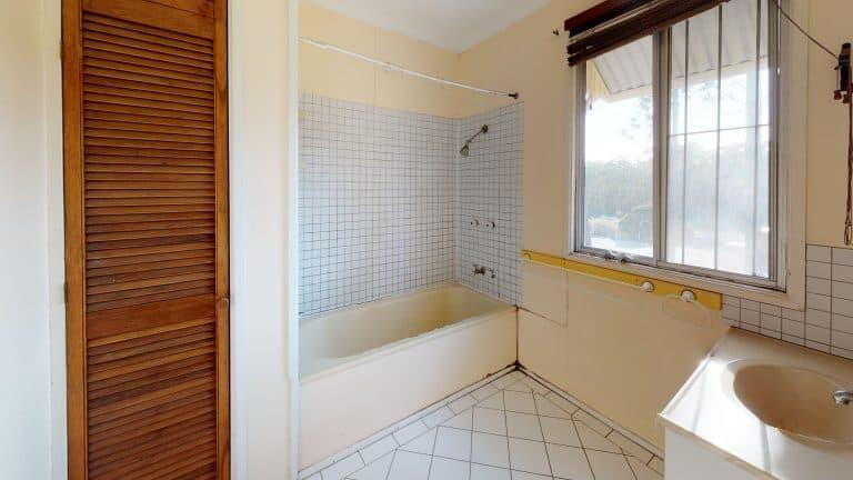 House-48-Bathroom (2) (wecompress.com)