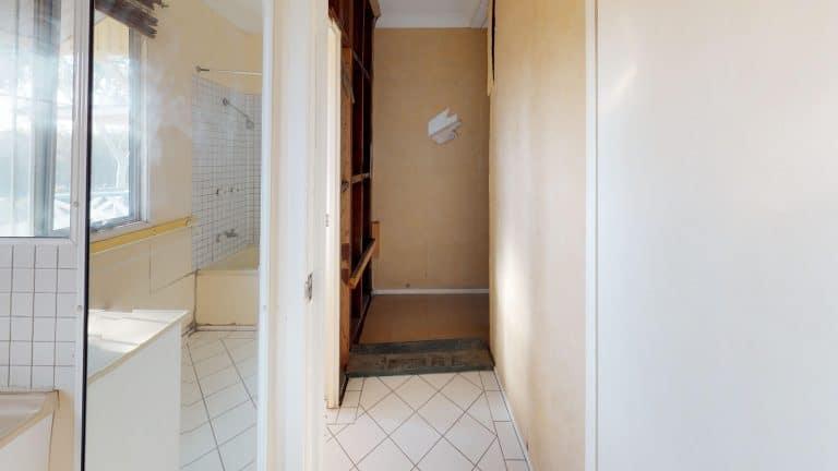 House-48-Bathroom (3) (wecompress.com)