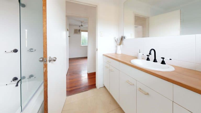 Seabreeze-Bathroom