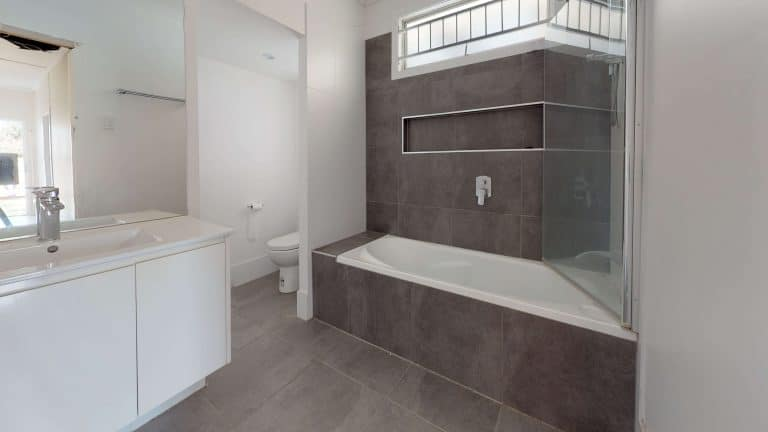Rode-Rd-2-Bathroom (1)