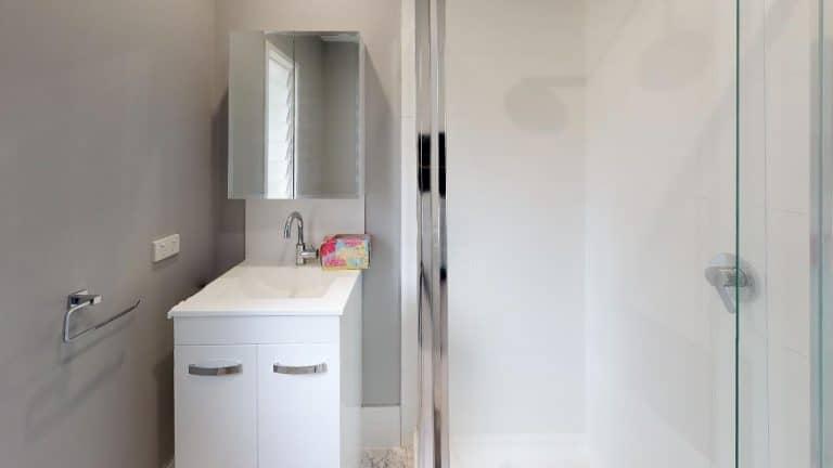 ALEXANDER-Bathroom
