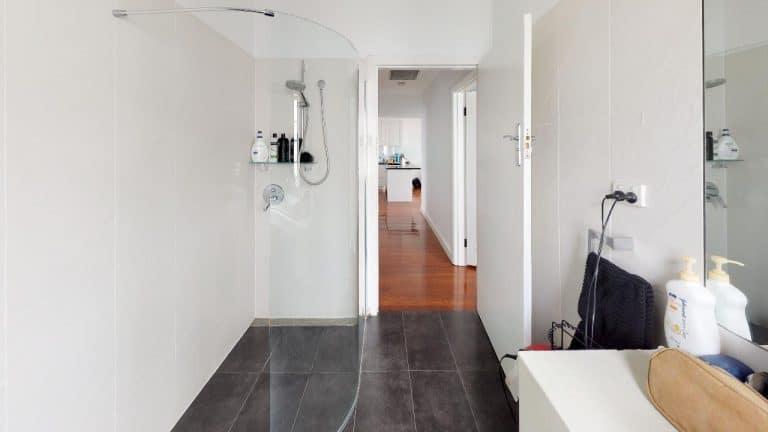 Jordana-Bathroom