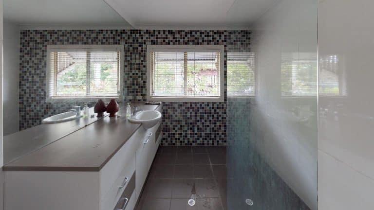 MORETON-WATERS-Bathroom