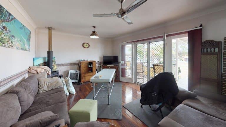 MORETON-WATERS-Living-Room