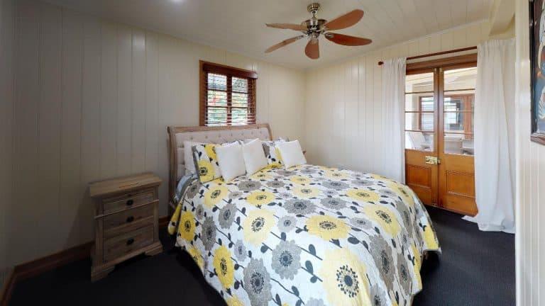 Passage-2-Bedroom