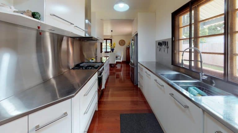 Passage-2-Kitchen