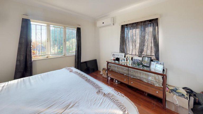 Bella-Bedroom