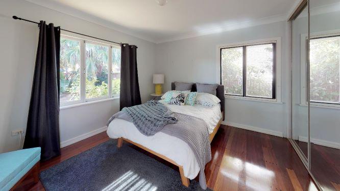 Tarragindi-Bedroom