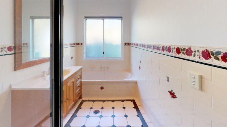 The-Oakdale-Ranch-Bathroom