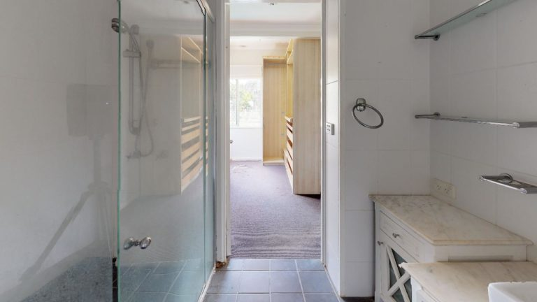 Harcroft-Bathroom(1)