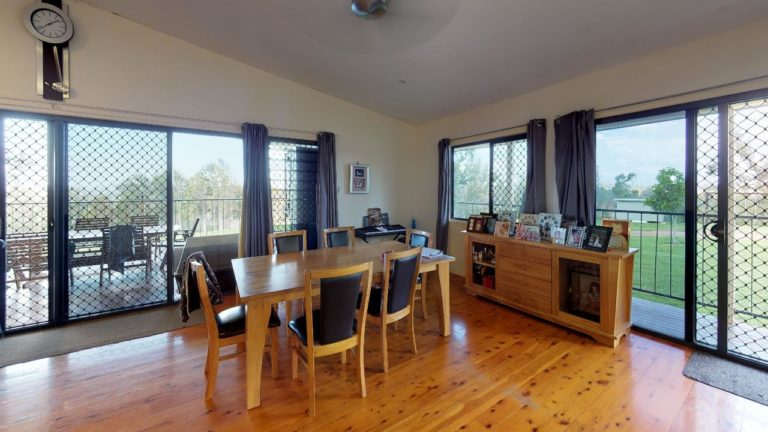Hidden-Cove-Dining-Room