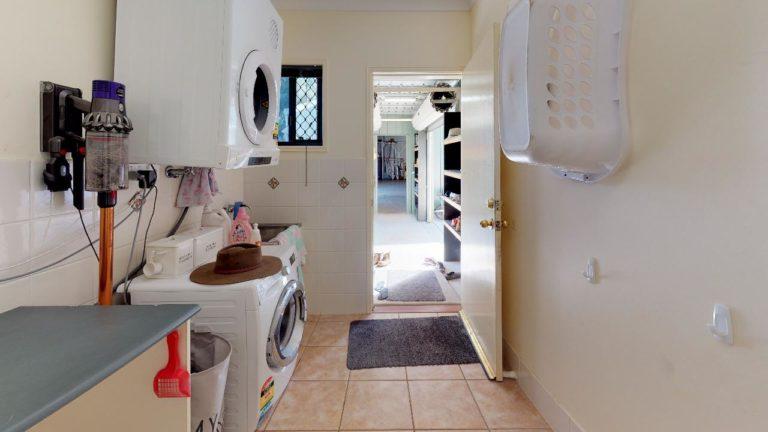 Hidden-Cove-Laundry