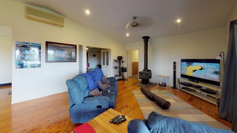 Hidden-Cove-Living-Room
