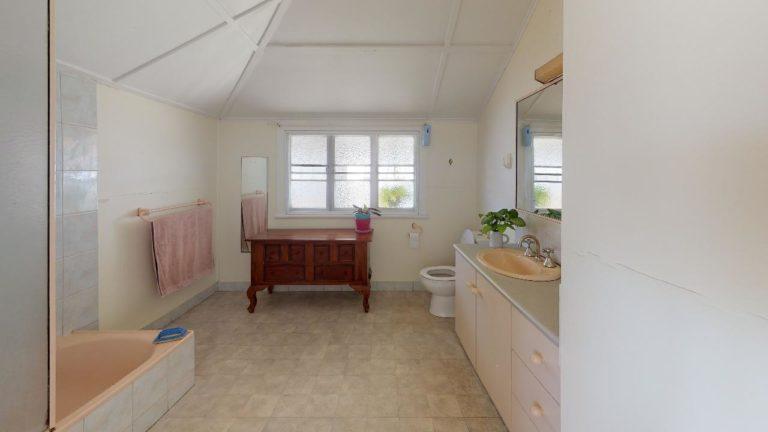 Roseabella-Bathroom
