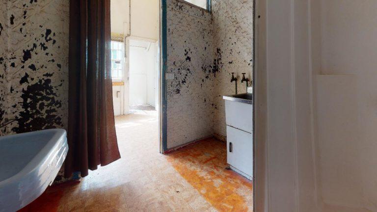 Nundah-Bathroom