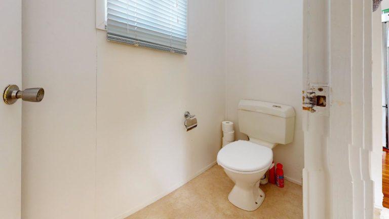Damsel-Bathroom