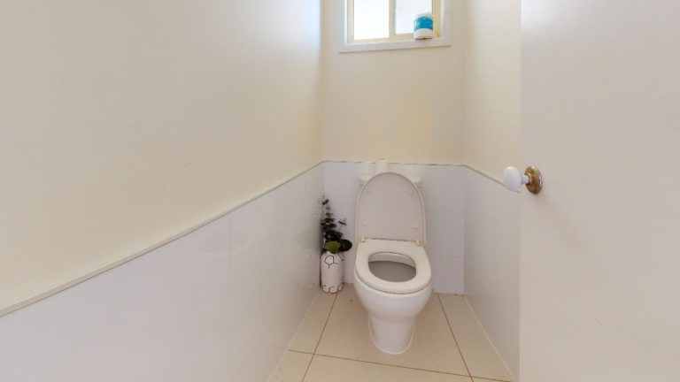 Aroona-Bathroom(1)