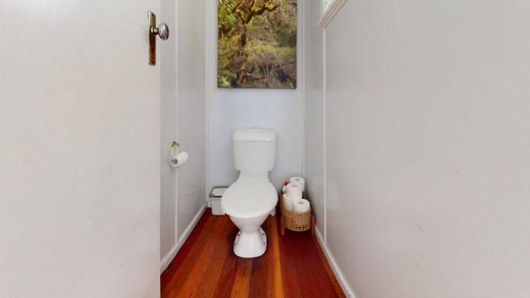 Kedron-Bathroom(1)