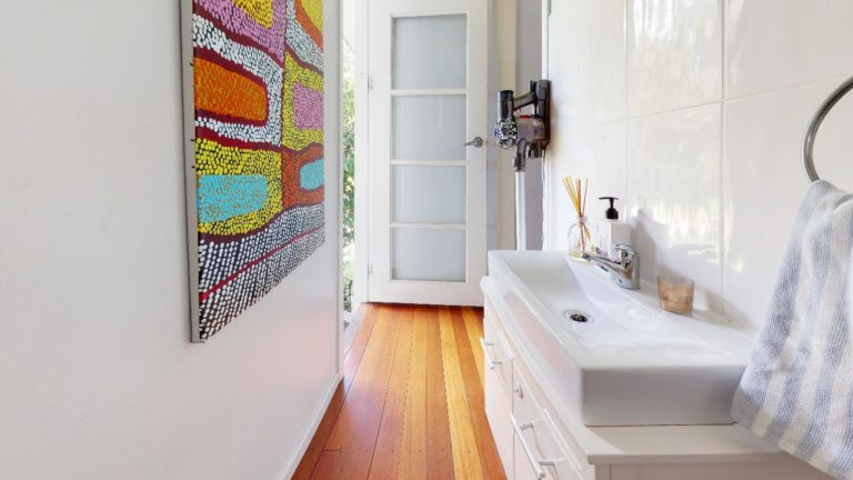 Kedron-Bathroom(2)