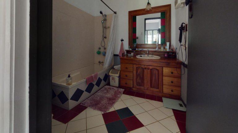 Elimbah-Bathroom