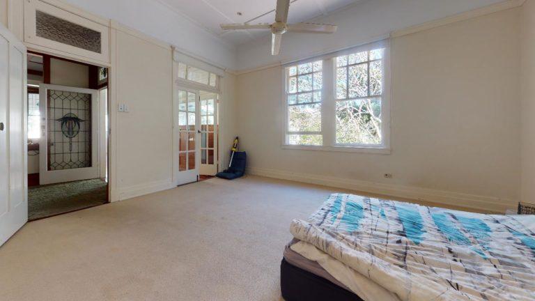 Lutwyche-Lead-Light-Bedroom