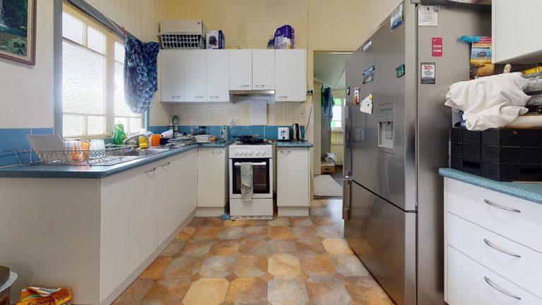 Tewantin-1-Kitchen(1)