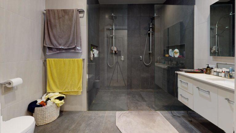 Camp-Hill-Bathroom(1)