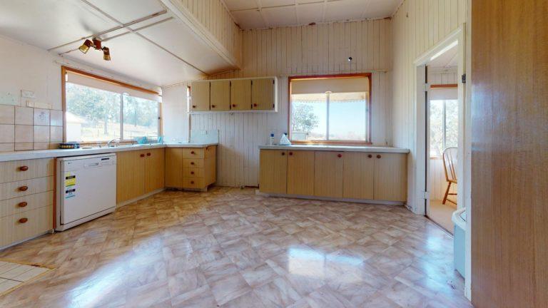 Yarraman-Kitchen